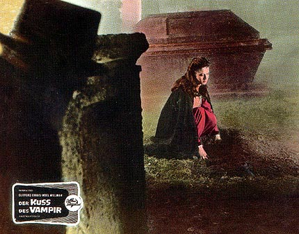 The kiss of the vampire lobbycards 6.jpg